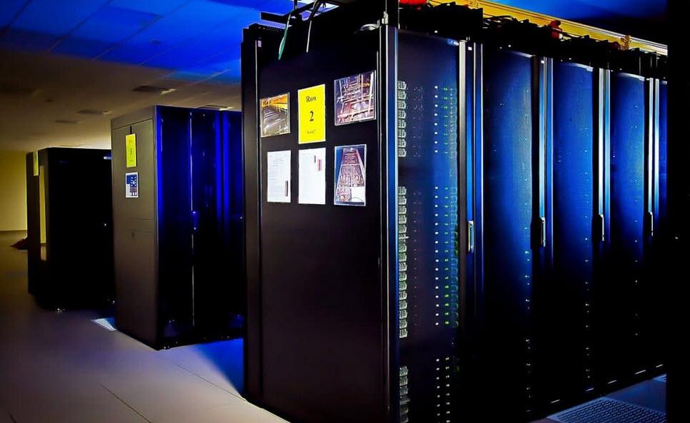 MAINFRAME COMPUTERS Tech Hyme
